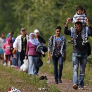 11-migranti-ungaria-465x390